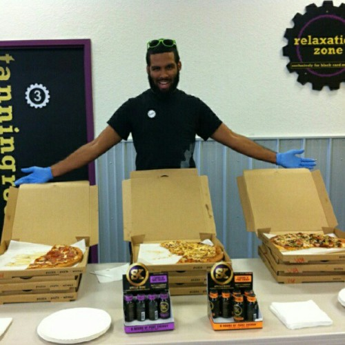 -Doesn't get much better than free pizza and SK Energy Shots at Planet Fitness. Instagram from randickerous