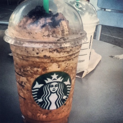 CAFFEINE. #Starbucks #coffee #vanillabean #mocha #cookie #crumble #caffeine #yum #summer #drink #lol #I #was #so #tired.  (Taken with Instagram)