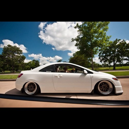lowlife4life:  Ohhhh yeah #honda #civic #jdm #fitment #lowlife4life #stance send your pics to lowlife4lifeco@gmail.com (Taken with Instagram)