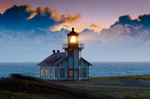 live-2-learn:  small lighthouse