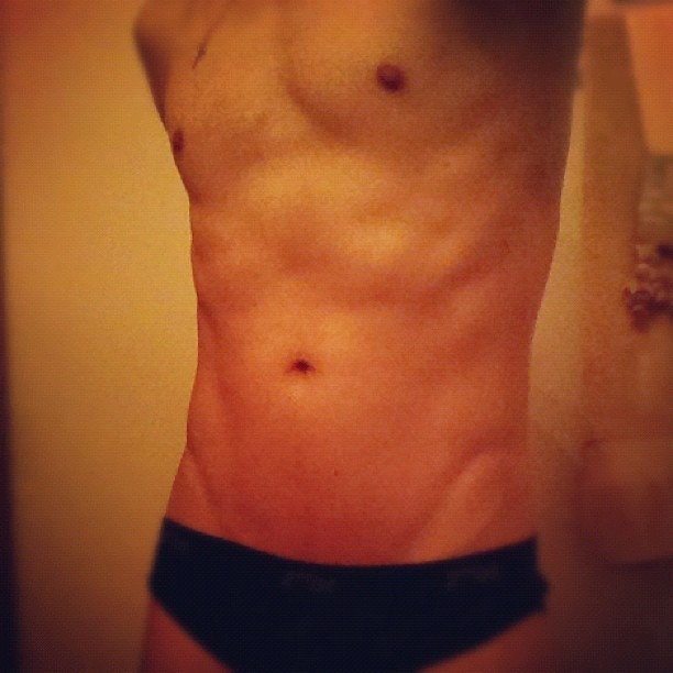 Day 11 ! #pumpitup #fitness #workout #exercise #progress #abs #tummy #briefs #2xist   (Taken with Instagram)