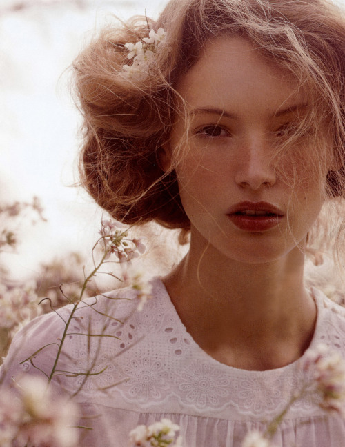 mentalstability:  Mona Johannesson by Oscar Folk for Elle Sweden May 2008