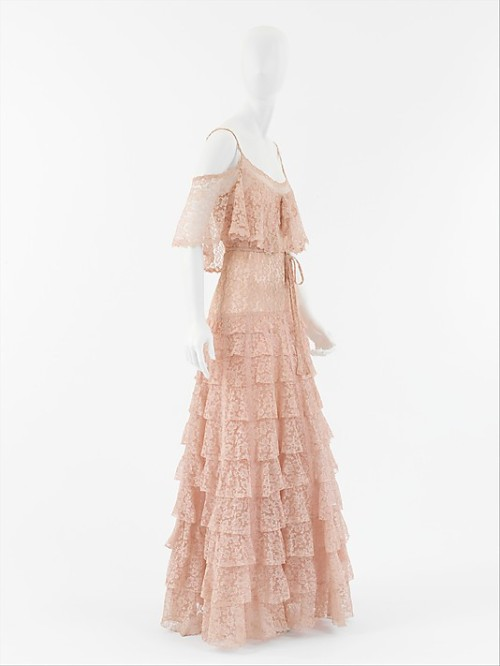 omgthatdress:  Evening Dress Coco Chanel, 1930 The Metropolitan Museum of Art