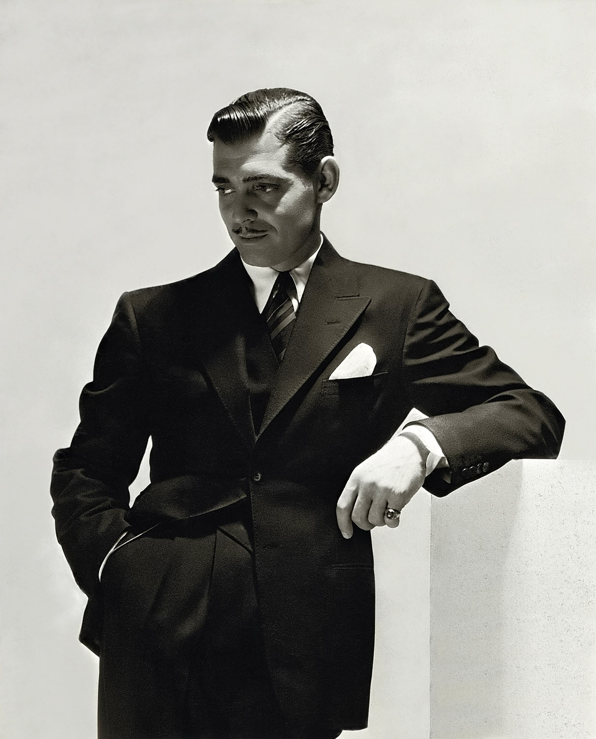 ricksginjoint:  Find more of Clark Gable and other classic hollywood icons here