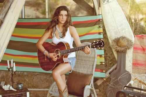 Singer/songwriter Liana Conway, who is being called the next Taylor Swift, travels the country to perform her pop-country, sunny songs for all those eager to listen. So we were curious to know what the 22 year-old, who recently released her full length debut album Sunrise, packs in her suitcase when she hits the road. Check out what the Nashville native can't leave home without… READ MORE