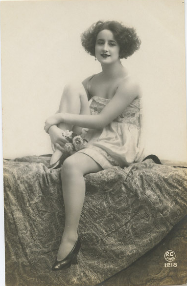 Beautiful 1920s Vintage Risque Postcard
