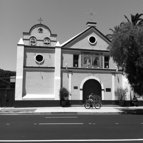 Nuestra Senora Reina - downtown los angeles one of the oldest churches in LA 8-9-12