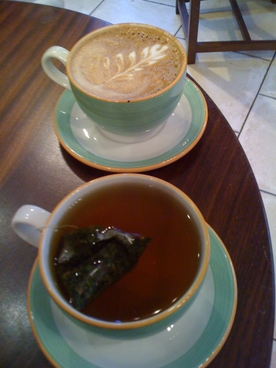 A mocha and a mint tea for the prof and me at Honolulu Coffee Co.