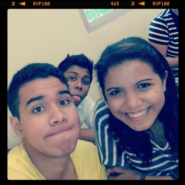 kabagloom:  KHG<3 #Friends #Smile #RandomFace #InstaPhoto #InstaGood #Utp #Panama #pty #August #MeAndMyFriends #bff (Tomada con Instagram)
