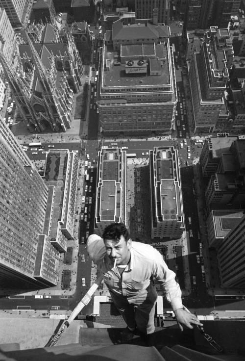collectivehistory:  NYC window washer, 1950s