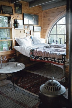 Great mix of Moroccan and Swedish styles, love it!