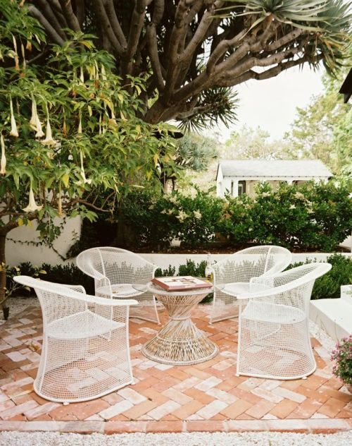 (via Inspirational Outdoor Spaces)