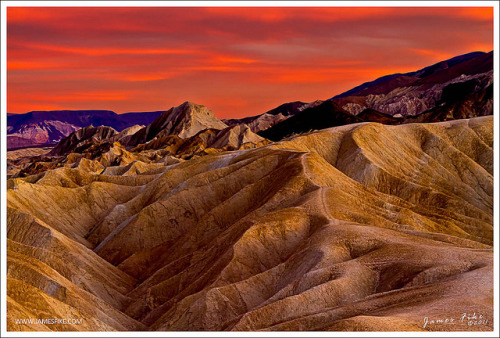 Sunset at Death Valley on Flickr.