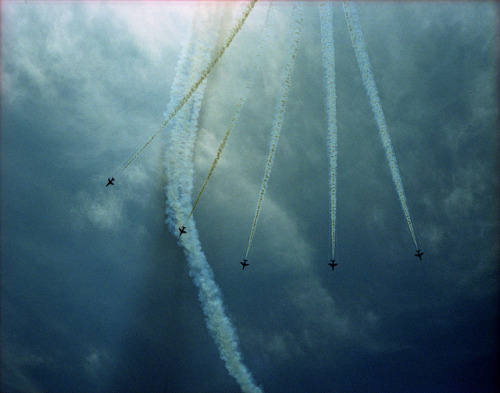 tobecaughtadrift:  Red Arrows - Folkestone Jubilee Airshow 2012 - United Kingdom by Sprocket_Rocket on Flickr.
