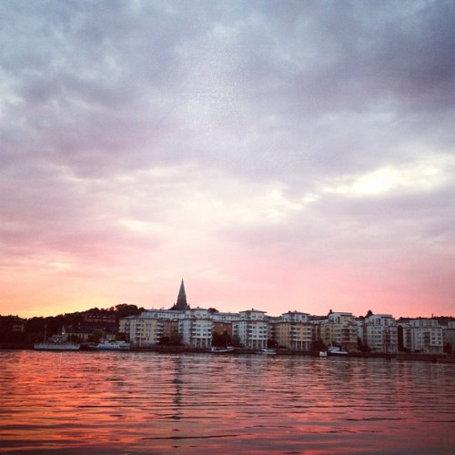 Mother nature, salute! #sweden #summer #stockholm #water #sunset (Taken with Instagram)