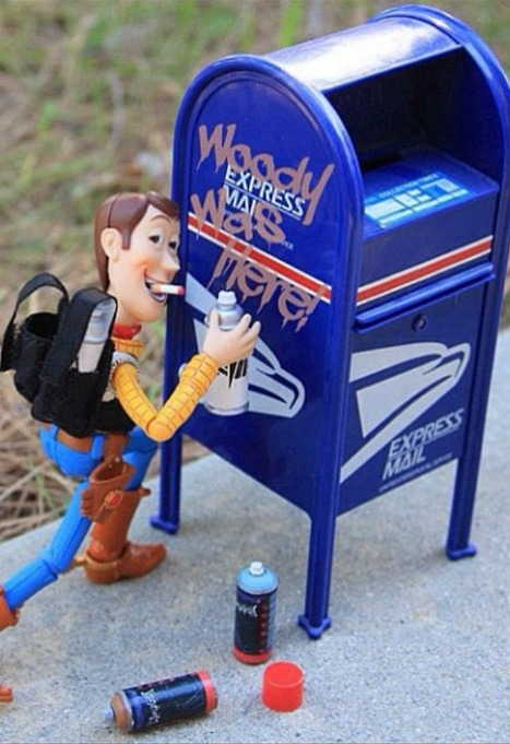 keepourheadsup:  I actually have a small mailbox like this that I've been meaning to tag.
