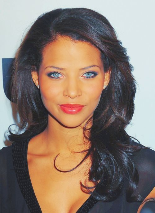 irepshenanigansinc:  gorgeous woman…beautiful eyes