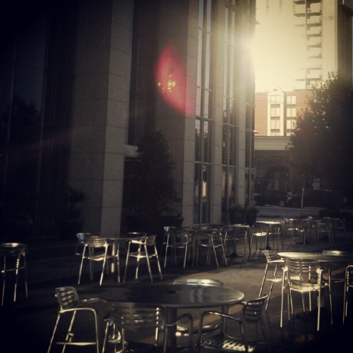 """Cafe Street"" (Terminus courtyard) #Buckhead #Atlanta ^ #ATL #peachtree #courtyard #corporate #park #AM #morning #cafe #courtyard (Taken with Instagram at Cafe Street (btw. Terminus 100 & Terminus Parking Deck))"