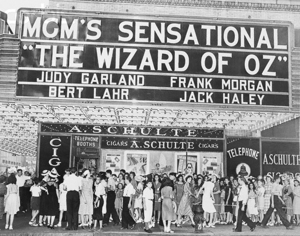 retrogasm:  73 years ago tonight The Wizard of Oz made its premier in theaters…