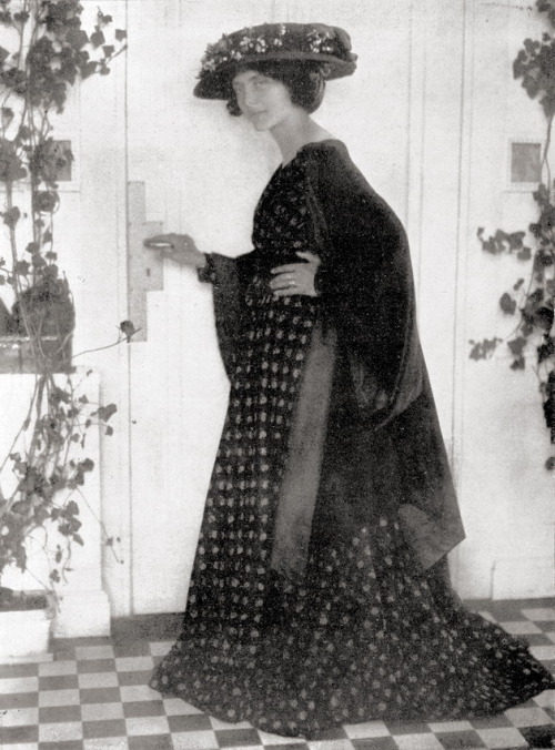 Fashion model, c1910 by Rudolf Dührkoop