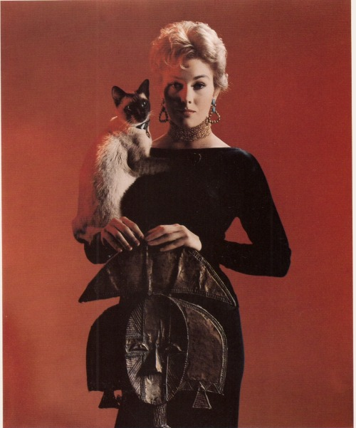 Kim Novak in 'Bell, Book And Candle' (1958)via