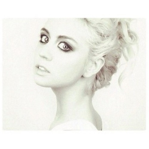 Allison Harvard, she's just so gorgeous!! @allisonharvard #instagram #beautiful #sweet #pretty #cute #instaadaily #instagood #fierce #americanexttopmodel #highfashion #bigeyes #allisonharvard #allison #model #antm12 #antm (Taken with Instagram)