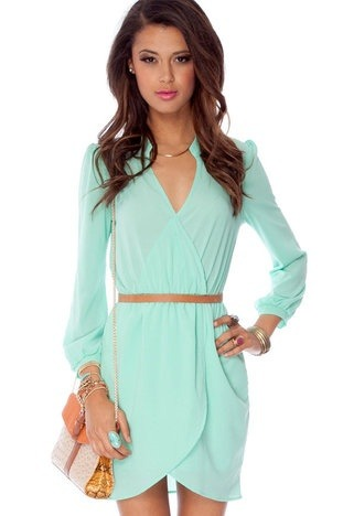 long sleeve dress (via Truly fashion, simply stylish | iFashionsBlog.com i Fashion Blog)