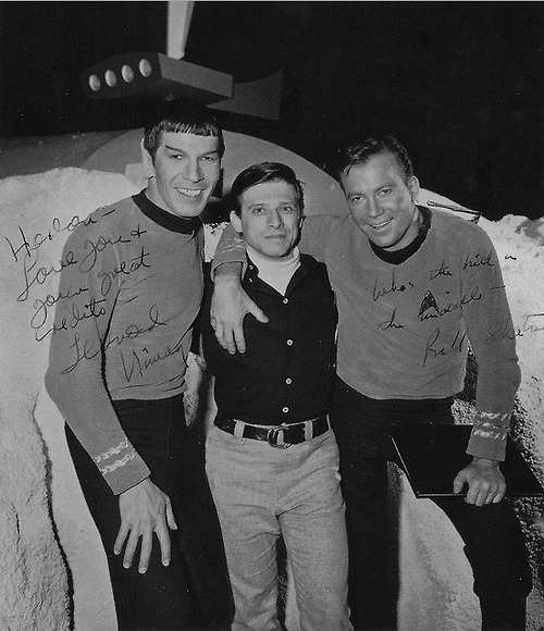 STAR TREK.1966. LEONARD NIMOY AND WILLIAM SHATNER VISIT WITH WRITER HARLAN ELLISON. CURB YOUR ENTHUSIASM THERE HARLAN.