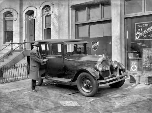 Hertz Sedan to rent, 1925,