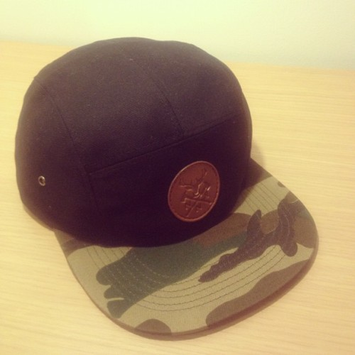 £19.99 www.nonamerequired.co.uk#fivepanel #5panel #hat #cap #streetwear #streetwearfashion #vintage #smart #fashion #menswear #womenswear #unisex #clothing #camo #camouflage #leather #deer #stag (Taken with Instagram)