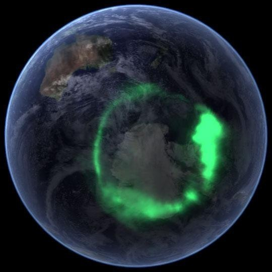 freelemonsformiranda:  Northern lights. View from space.