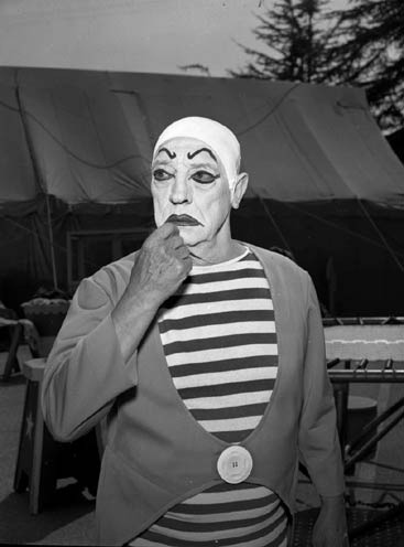 panicbeats:  Buster Keaton, as Pippo the clown in the 1964 TV series, The Greatest Show on Earth.