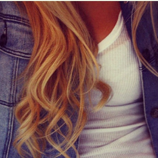 #girly #blonde #hair #curly #love #white #sexy #streetstyle #cute #jeans  (Taken with Instagram)