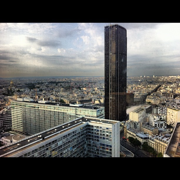 #pullmanhotel #paris #montparnasse #24thfloor #view #tourmontparnasse #sky #lux #normal (Taken with Instagram at Hôtel Pullman Paris Montparnasse)