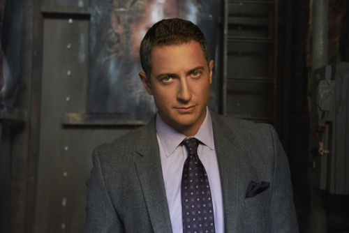 grimmnbc:  Sasha Roiz (@SashaRoiz) will be Live Tweeting tomorrow's episode for the WEST coast at 10pm PST. For everyone on the EAST coast, we'll be Live Tweeting from @NBCGrimm at 10/9c. Make sure you're following both and join the conversation!