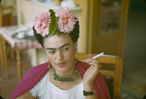 fernsandmoss:  Frida Kahlo by Nickolas Muray