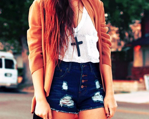 camiverdu:  clothes | Tumblr on We Heart It. http://weheartit.com/entry/35161338