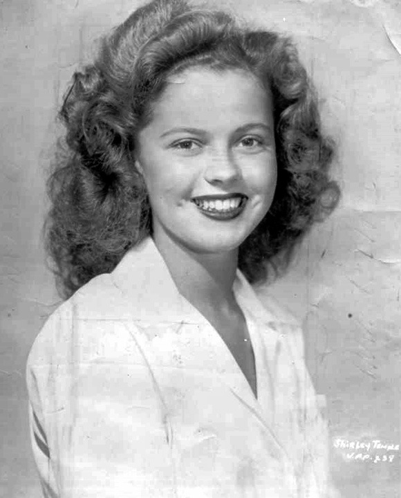 qsdaydream:  miss-shirley-temple: Shirley Temple, 1940s.