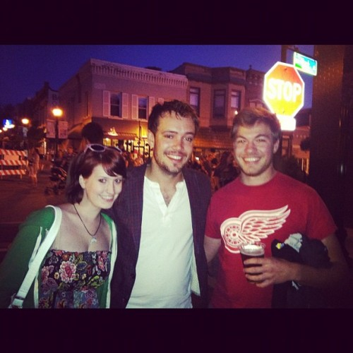 calicorain:  Chilling with Ben Lovett of #mumfordandsons #mumford #benlovett #happiness #love #dixon #illinois #gentlemenoftheroad (Taken with Instagram)   I had the best day ever today!!! Met a member of my favorite band :D