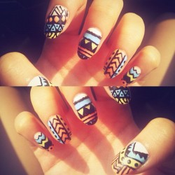 Nail art  #nails #art #aztec #symphony #cool #colorful #instapic #instagood #instamood #instalike #instalove #instadaily #ig #igers #igdaily #instagrammers #share #picoftheday  (Taken with Instagram at Symphony)
