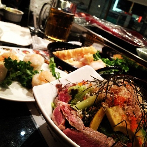 #Beef #Tataki #Shrimp #Shumai #King #Crab #Tempura #Kirin #Beer #Food #foodporn #whatsoneeating #ALLHASHTAGS with @ingeniouslv  (Taken with Instagram at Osaka Japanese Bistro)