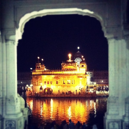 Doorway to heaven #goldentemple #amritsar #punjab #india #sikh #sikhism (Taken with Instagram)
