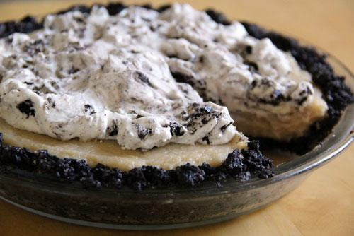 vegan coconut and cookies and creme no bake pie