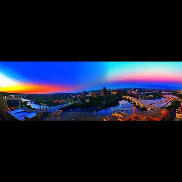 #fisheyepanoramasunset. Attempting a panorama shot with the fisheye. #sunset #sky #skyporn #igers #instagood #instasunset #mpls #minnesota #minneapolis #twincities #picoftheday #photooftheday #igers #instagood #iphonegraphy #panorama #landscape #cool #fisheye  (Taken with Instagram at Minneapolis)