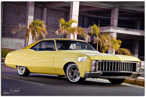Sun and sand Starring: Buick Riviera (by Hosam Al-Ghamdi .:|:. حسام الغامدي)