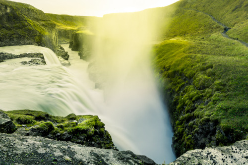 icelandwantstobeyourfriend:  I have fifty shades of green for you to look at.
