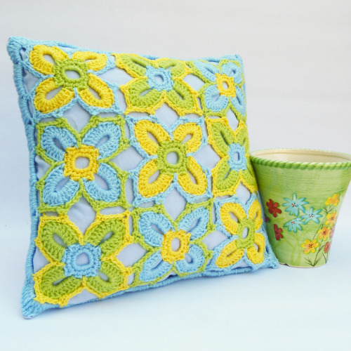 Bright spring crochet cushion (by DaisyBeth)