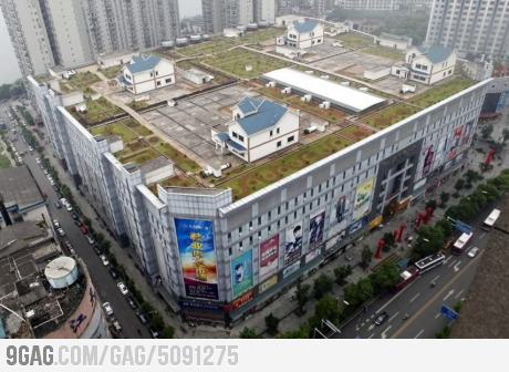Shoppers would love to live in this houses on top of mall from 9GAG by 9GAG Reader (9g.re)