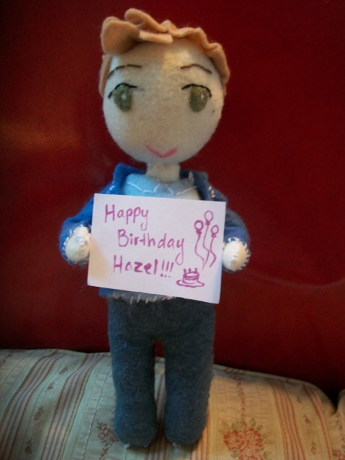 magic-isaborg:  Happy Birthday Hazel! Sorry it's a day late, but I had a few stitches left :)   Oh my gosh this is really cute I'm dying THANK YOU SO MUCH!