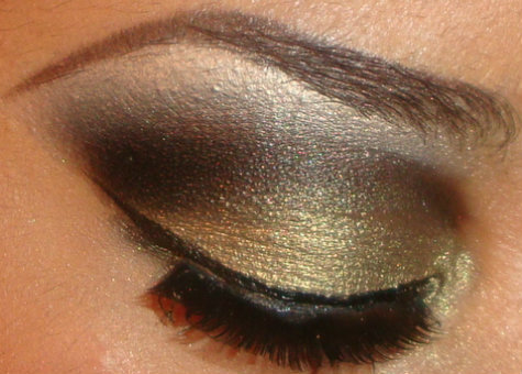 My Gold Smokey Eyeshadow Tutorial Here http://youtu.be/Gesi4I69p40 you can see more of my tutorials here http://www.youtube.com/user/makemeupbywhitney